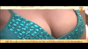 Poonam Pandey shows deep 06