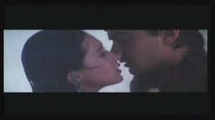 Karishma_RajaHindustani_Kiss_03