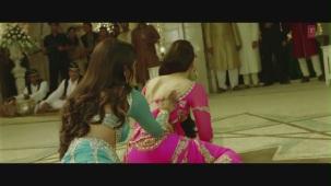 Dil Mera Muft Ka Full Song Agent Vinod Kareena Kapoor[19-41-40]