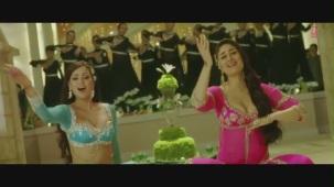 Dil Mera Muft Ka Full Song Agent Vinod Kareena Kapoor[19-44-01]
