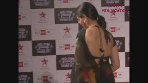 Hot Sakshi Tanwar in Open Back Black Blouse - YouTube[19-17-31]