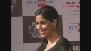 Hot Sakshi Tanwar in Open Back Black Blouse - YouTube[19-18-16]