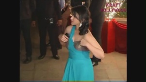 Parineeti Chopra Adjusting Costume - YouTube[19-43-21]