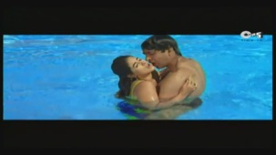 Twinkle's Sensuous Track - Halka Halka Dard Hai - International Khiladi _ HQ - YouTube(3)[12-44-36]
