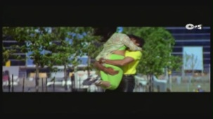 Twinkle's Sensuous Track - Halka Halka Dard Hai - International Khiladi _ HQ - YouTube(3)[12-44-59]