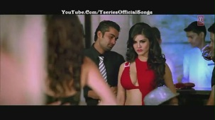 _Darta Hoon_ (Official Full Video Song) Jism 2 (2012) Ft' Sunny Leone, Arunoday Singh - HD 1080p - YouTube[(000646)21-03-44]