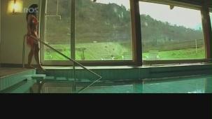 Hot n sexy Shweta Menon in swimsuit - Naan Avan Illai 2 - YouTube[(000179)20-47-29]