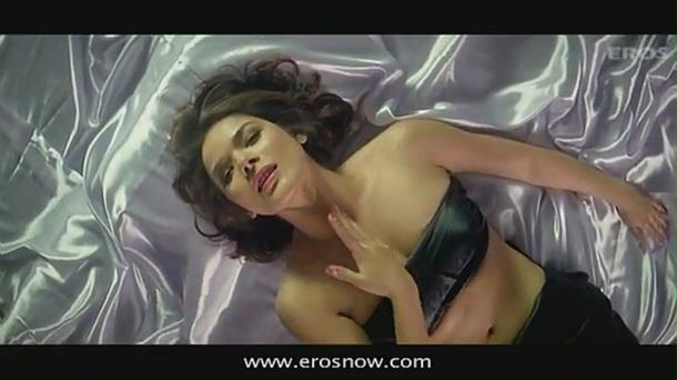 Hungama Ho Gaya (Full Song) - Diary Of A Butterfly - YouTube(4)[(001671)19-42-34]