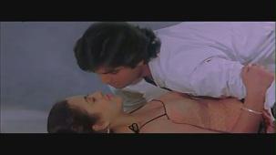 Mandakini and Karan Shah Kissing Scene - Apne Apne - Bollywood Passionate Lip Lock - YouTube[(000100)20-20-07]
