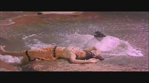 Mandakini and Karan Shah Kissing Scene - Apne Apne - Bollywood Steamy Kiss - YouTube[(000056)20-21-48]