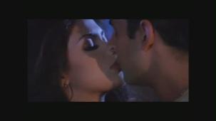 PriyankaChopra_Andaaz_001