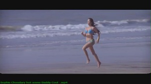 Sophie Choudary hot scene-Daddy Cool -[(000893)19-32-49]