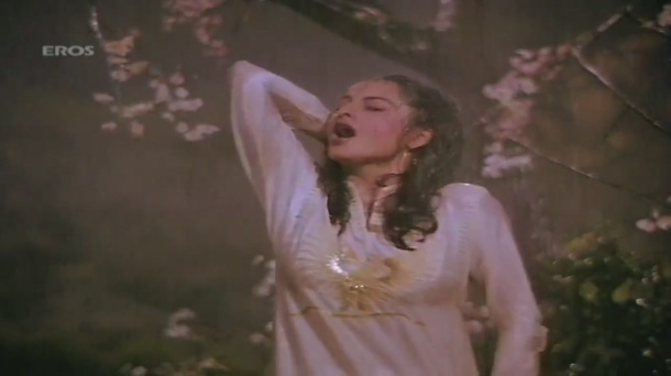 Boonden Nahin Sitare song - Saajan Ki Saheli by majidsamad.mp4 - YouTube[22-33-35]