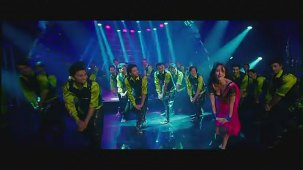 Halkat Jawani - Heroine Exclusive HD New Full Song Video feat. Kareena Kapoor - YouTube[(000139)19-13-44]