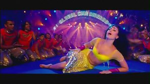 Halkat Jawani - Heroine Exclusive HD New Full Song Video feat. Kareena Kapoor - YouTube[(001715)19-16-56]