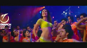 Halkat Jawani - Heroine Exclusive HD New Full Song Video feat. Kareena Kapoor - YouTube[(003284)19-20-21]