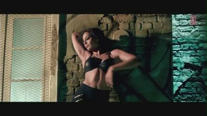Kya Raaz Hai Official Video Song Raaz 3 _ Bipasha Basu, Emraan Hashmi - YouTube[(000426)20-46-54]