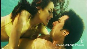 Lazy Lamhe - Song - Thoda Pyaar Thoda Magic - YouTube[(003948)14-05-13]