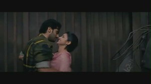 Parineeti Chopra kiss & sex scene[(000079)19-01-24]