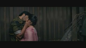 Parineeti Chopra kiss & sex scene[(000477)19-01-40]