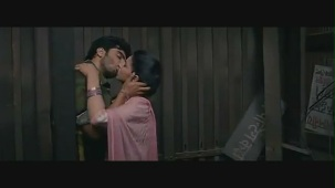 Parineeti Chopra kiss & sex scene[(000658)19-01-50]
