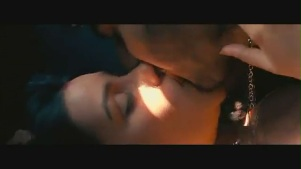 Parineeti Chopra kiss & sex scene[(002609)19-04-03]