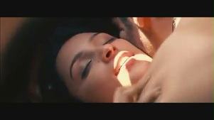 Parineeti Chopra kiss & sex scene[(002700)19-04-14]