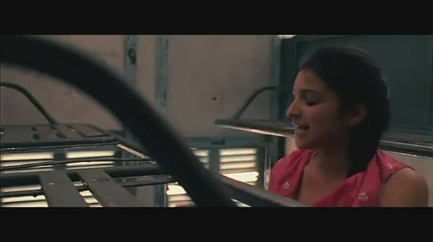 Parineeti Chopra kiss & sex scene[(005141)19-05-51]