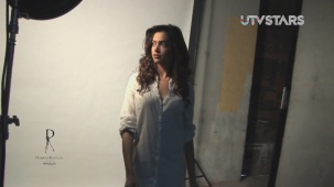 Hot Deepika Padukone - Dabboo Ratnani photo shoot - UTVSTARS HD[19-53-30]