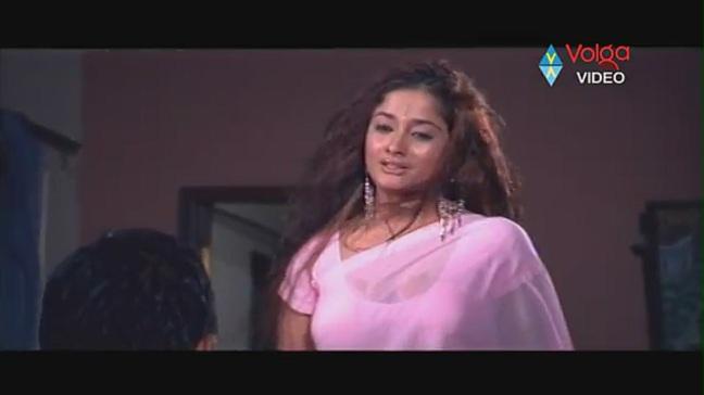 Kiran Rathod Sexy big Boob Show On Wet Saree From High School - YouTube(3)[(004152)19-55-22]
