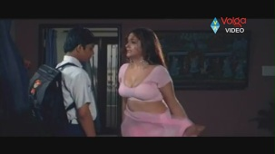 Kiran Rathod Sexy big Boob Show On Wet Saree From High School - YouTube(3)[(005354)19-57-18]