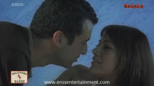 Koel Purie making love to Aamir Bashir - The Great Indian Butterfly - YouTube(3)[21-21-39]