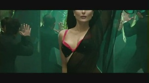 Main Heroine Hoon - Heroine Official New Full Song Video feat. Kareena Kapoor - YouTube[(000457)19-55-06]