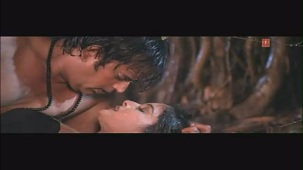 Marad Baada Naam Ke - Super Hot Bhojpuri Video Feat. Sexy Surena & Ravi Kishan - YouTube(2)[(005528)20-11-54]