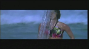 Priyanka Chopra hot in bikini Aitraaz - YouTube(2)[21-17-20]