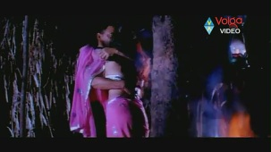 Raatri Songs - Cheli Pedavipai - Sayaji Shinde Preeti Mehra - Hot songs - YouTube[(000986)20-14-45]