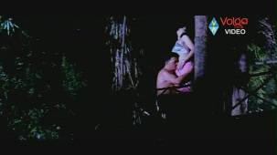 Raatri Songs - Cheli Pedavipai - Sayaji Shinde Preeti Mehra - Hot songs - YouTube[(001164)20-15-04]