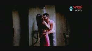 Raatri Songs - Cheli Pedavipai - Sayaji Shinde Preeti Mehra - Hot songs - YouTube[(002724)20-16-28]