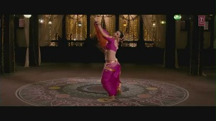 Sava Dollar Official (Video Song) Aiyyaa _ Rani Mukherjee, Prithviraj Sukumaran - YouTube[(002500)19-18-31]