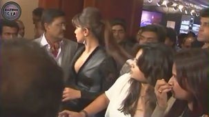 SHOCKING_ Priyanka Chopra shows CLEAVAGE - YouTube[(001633)19-22-26]