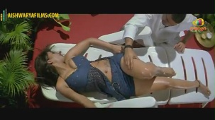 Srikanth massaging Mumaith Khan(2)[(000967)19-53-51]