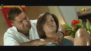 Srikanth massaging Mumaith Khan(2)[(002758)19-55-31]