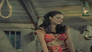 Tujhe Ek Ladki Mile Jawan - Romantic Song - Woh Main Nahin - YouTube[(000259)19-21-55]
