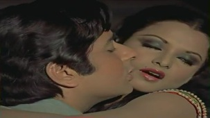 Tujhe Ek Ladki Mile Jawan - Romantic Song - Woh Main Nahin - YouTube[(005021)19-28-04]