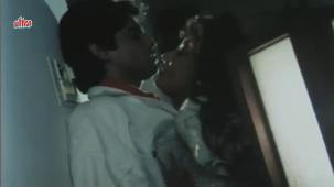 Zulfen Ulajh Gai Hain - Asif Shaikh, Sonu Walia, Haque Song - YouTube[(001726)19-46-00]
