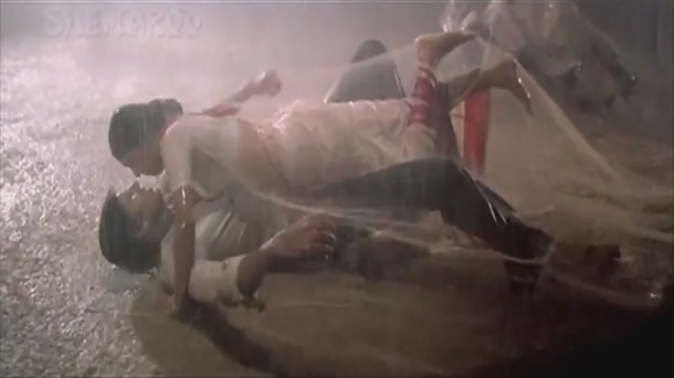 1982 Namak Halaal Aaj Rapat Jaayen To sub 720p - YouTube(2)[21-15-46]