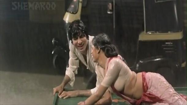 1982 Namak Halaal Aaj Rapat Jaayen To sub 720p - YouTube(2)[21-17-55]