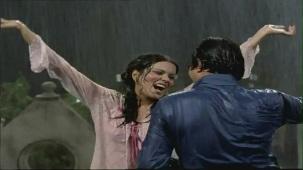 Bheegi Bheegi Raaton Mein - Sexy Bollywood Song - Rajesh Khanna - Ajanabee - YouTube(5)[(000870)20-17-21]