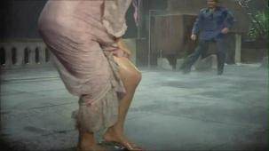 Bheegi Bheegi Raaton Mein - Sexy Bollywood Song - Rajesh Khanna - Ajanabee - YouTube(5)[(001756)20-18-40]