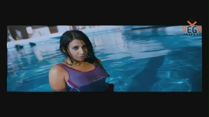 Gayathri in Gola Gola Film (Full Song) - YouTube[(000929)19-48-23]